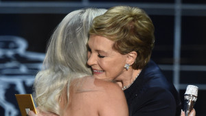 la-et-lady-gaga-sound-of-music-julie-andrews-oscars-2015-20150223